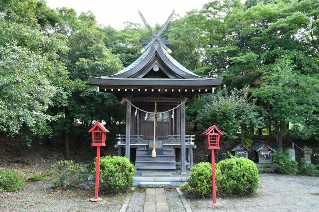 多摩市唐木田 稲荷神社