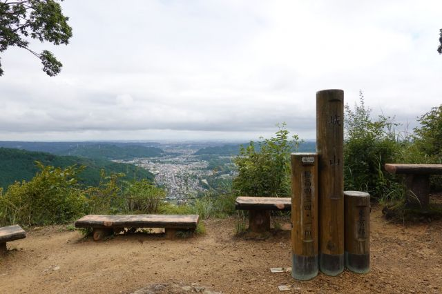多摩市から自転車で戸倉城山と金比羅山へ