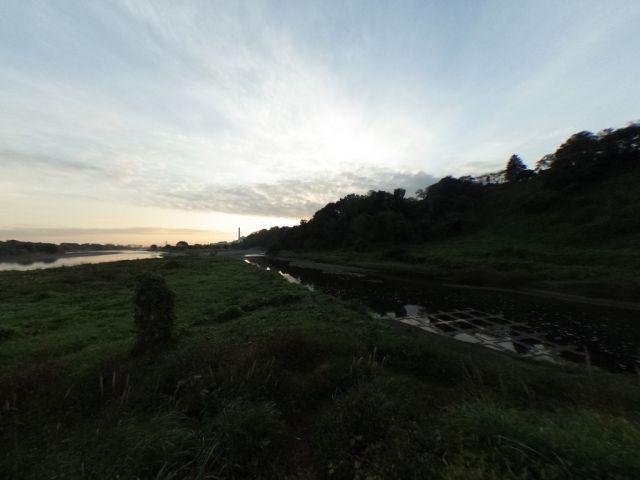 大栗川も多摩川も水かさが減る