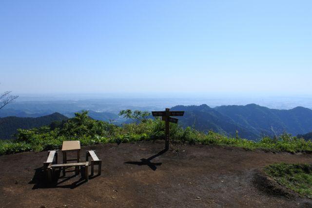 山頂からの見晴らし(東側)